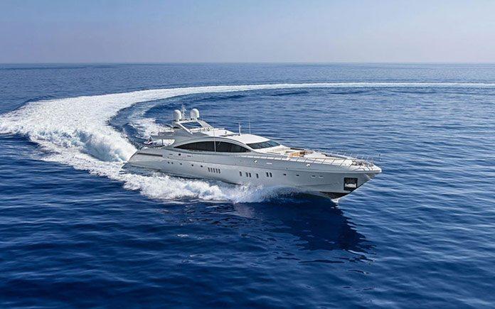 yacht-overmarine-mangusta-165e-1