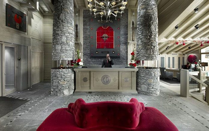 courchevel-hotel-le-k2-le-entrance