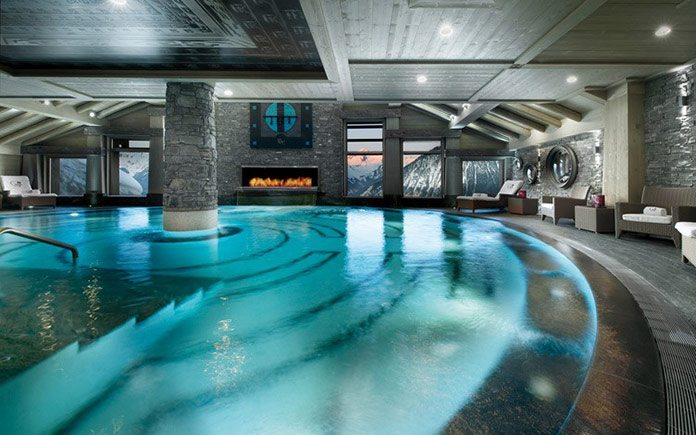 courchevel-hotel-le-k2-pool