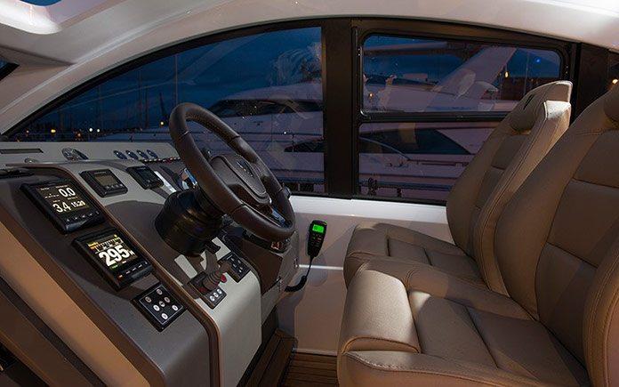 yacht-fairline-targa-48-open-10
