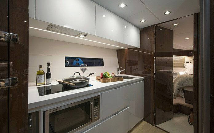 yacht-fairline-targa-48-open-9