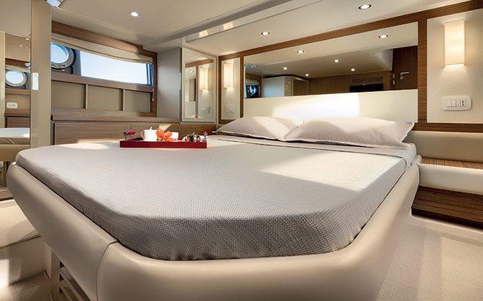 azimut-atlantis-50-master-cabin