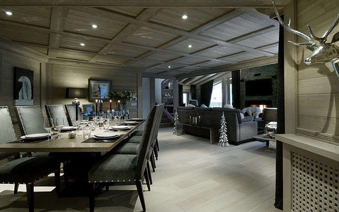 chalet-black-pearl-dining