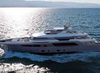 crn-superconero-yacht-running-shot