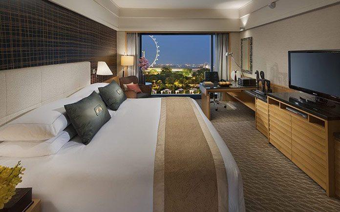 mandarin-oriental-singapore-room-premier-ocean-room-1