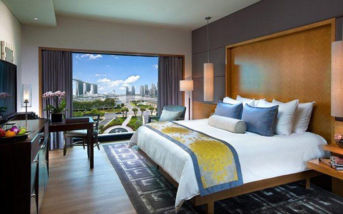 mandarin-oriental-singapore-suite-bay-suite-bedroom-1
