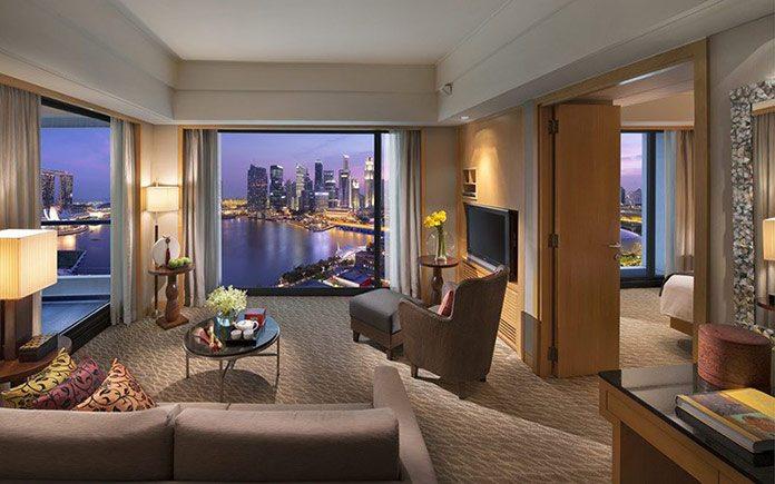mandarin-oriental-singapore-suite-harbour-suite-living-room-1