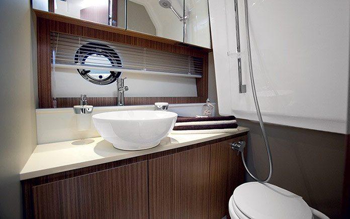 azimut-atlantis-34-bathroom