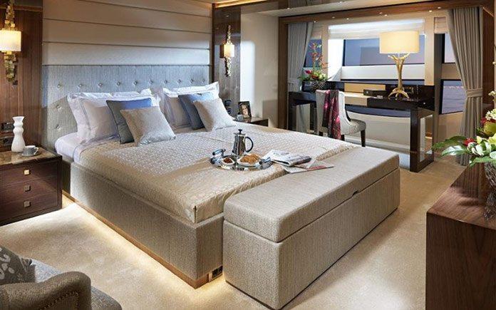 yacht-sunseeker-131-stateroom-2