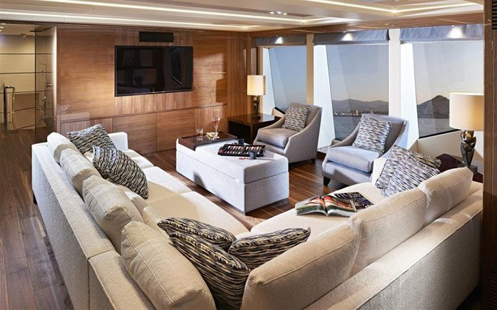 yacht-sunseeker-131-upper-saloon-1