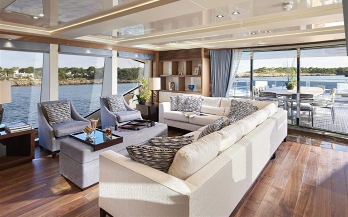 yacht-sunseeker-131-upper-saloon-3