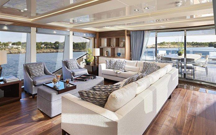 yacht-sunseeker-131-upper-saloon-3