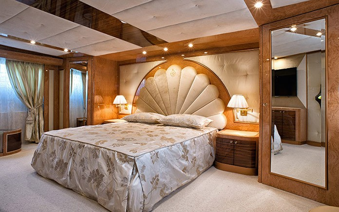 yacht-amer-cento-owners-cabin