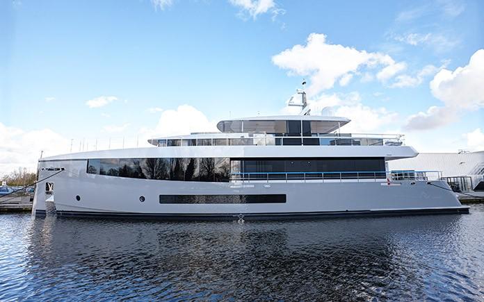 34m-feadship-yacht-01
