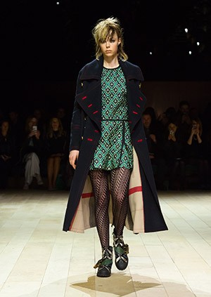 Burberry-Womenswear-February-2016-Collection—Look-1