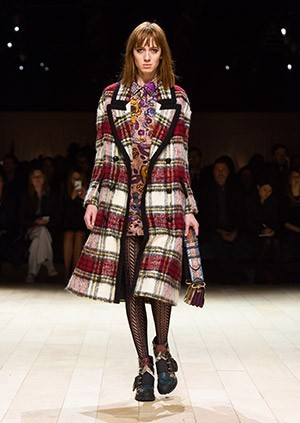 Burberry-Womenswear-February-2016-Collection—Look-20