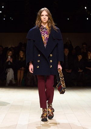 Burberry-Womenswear-February-2016-Collection—Look-22