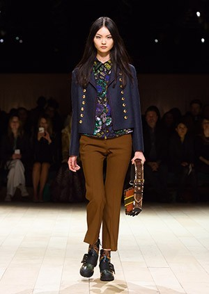 Burberry-Womenswear-February-2016-Collection—Look-38