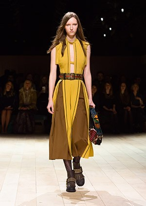 Burberry-Womenswear-February-2016-Collection—Look-42