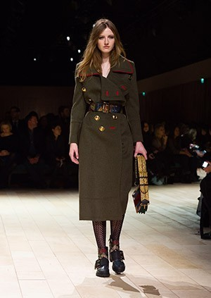 Burberry-Womenswear-February-2016-Collection—Look-45