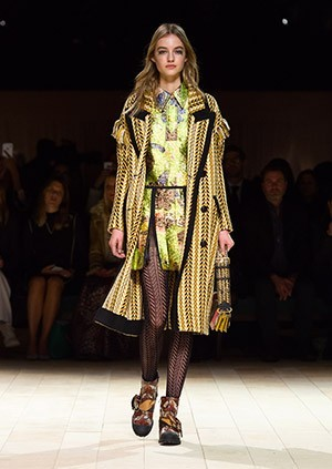 Burberry-Womenswear-February-2016-Collection—Look-51