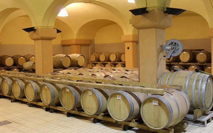 winery-in-tuscany-italy-03