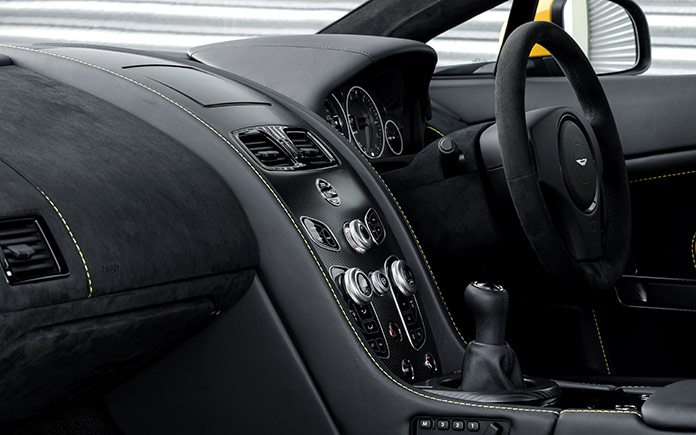 aston-martin-v12-vantage-s-manual-6