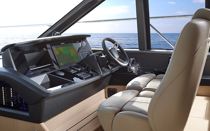 sport-yacht-princess-v58-open-10