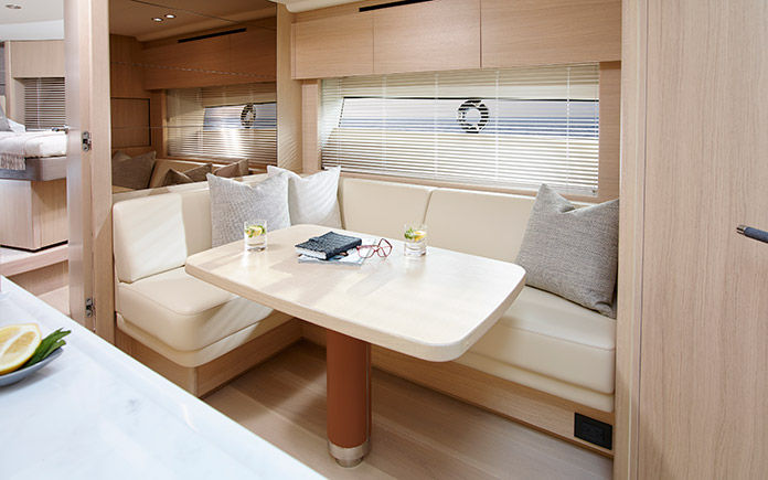 sport-yacht-princess-v58-open-12