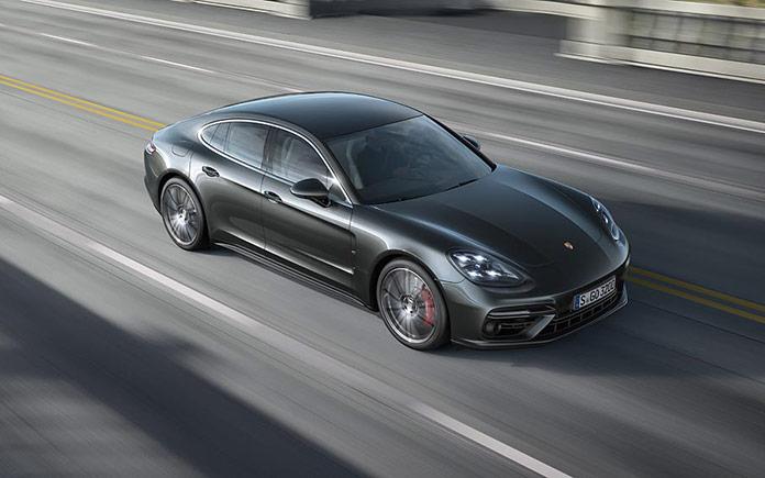 2017-porsche-panamera-luxury-sports-car-5