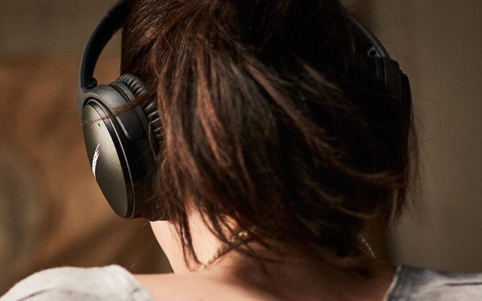 bose-quietcomfort_35_wireless_headphones-2