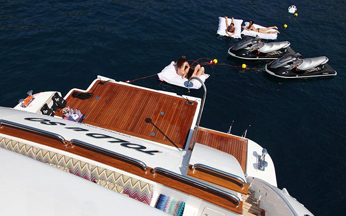 charter-benetti-vision-145-told-u-so-15