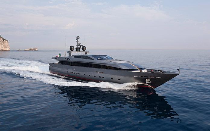 yacht-baglietto-monokini_6