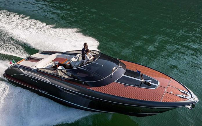 yacht-riva-rivamare-feretti-group-3