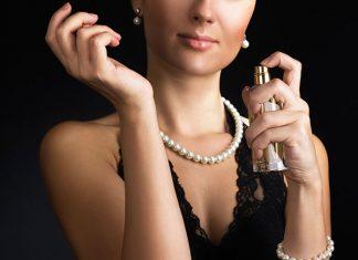 elegant-woman-with-perfume