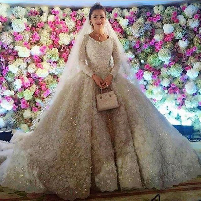 khadija-uzhakhovs-wedding-dress