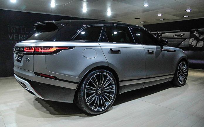 Range-Rover-Velar-at-Geneva-2017-11